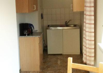 Kuechenzeile-2-Raum-Wohnung-Nr-5